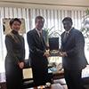 スリランカのウィジャヤワルダナ国防担当国務大臣と懇談�A